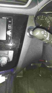 NT32エクストレイルスピードメーター取り外し方のエアコンパネル側