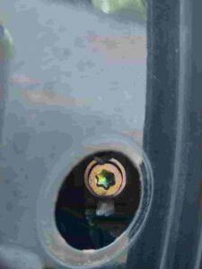 キーシリンダー固定ネジトルクスネジT30